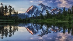 Sunrise on Mt Shuksan